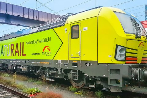 New Vectron locomotive of TX Logistik. Photo credit: Alpha Trains