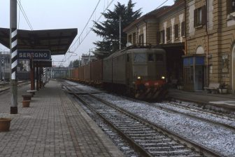 Railway station Seregno in Italy, photo: Phil Richards