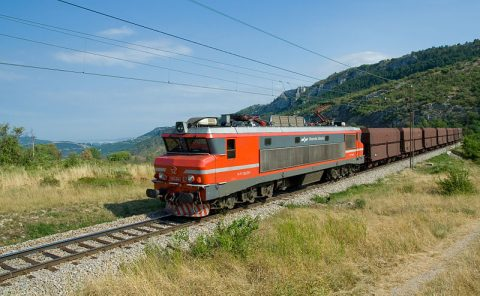 Freight train between Črnotiče and Hrastovlje. Photo: Kabelleger / David Gubler