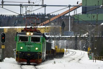 Freight train in Sweden. Photo: Wikimedia Commons