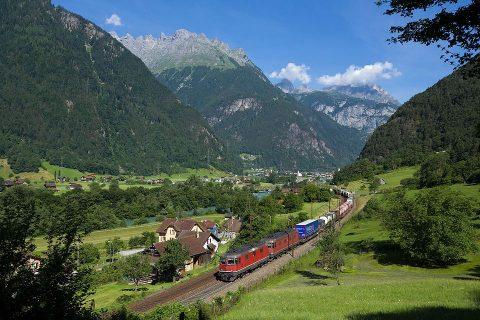 Freight train in Switzerland. Photo: Wikimedia Commons