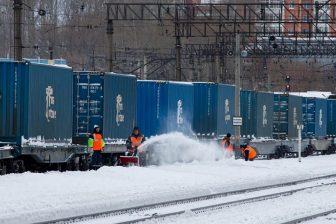 Container train in Russia, source: Wikipedia