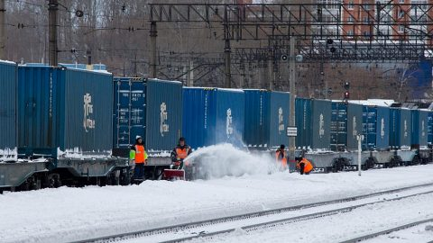 Container train in Russia, source: Wikipedia